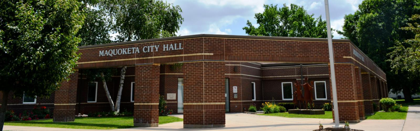Exterior of Maquoketa City Hall building